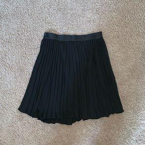 Express black pleated skirt